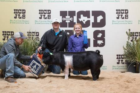 Champion Lightweight Crossbred Gilt 2018 Hill Country District Show